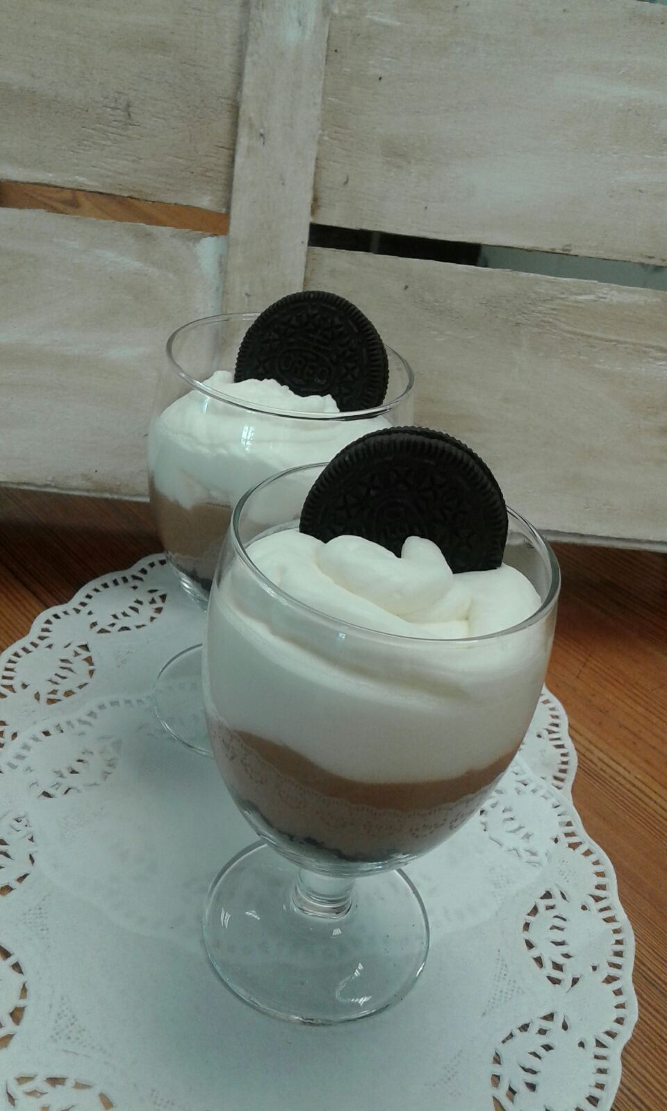 Vasitos de crema de Nocilla y galletas Oreo